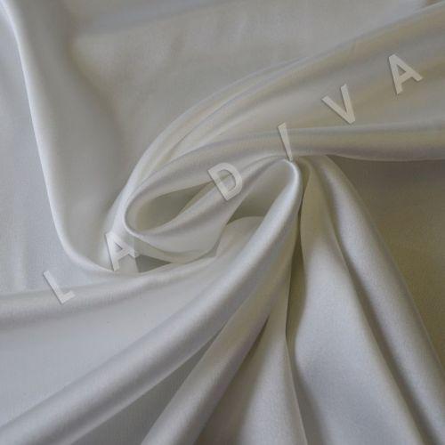 Однотонный атлас белого цвета