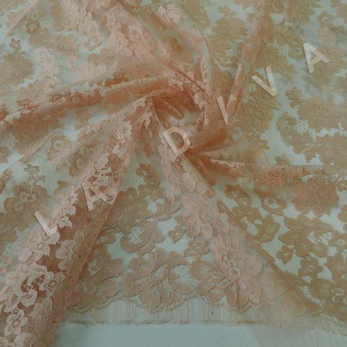Французское кружево Solstiss персикового цвета