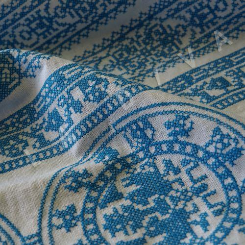 Оригинальный  лен с голубой вышивкой