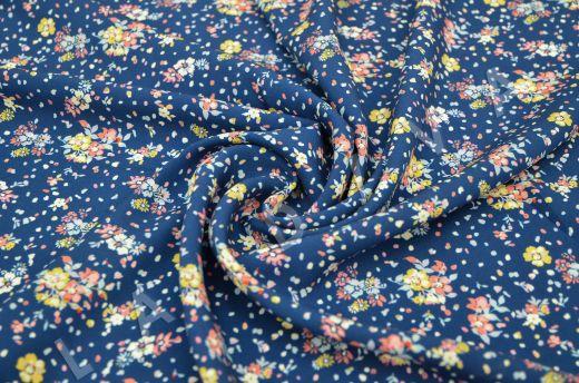 штапель вискоза с цветочным принтом на синем фоне