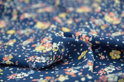 штапель вискоза с цветочным принтом на синем фоне рис-3