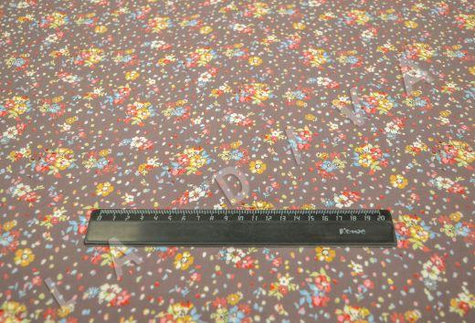 штапель вискоза с цветочным принтом на коричневом фоне рис-6