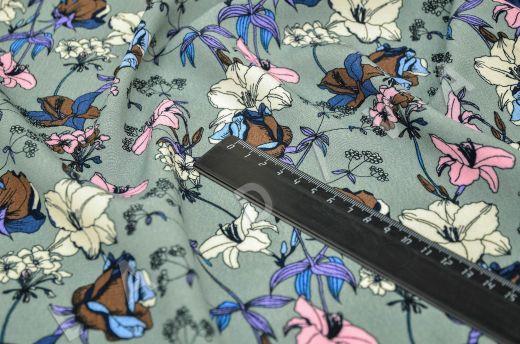 креповая вискоза с цветочным принтом на сером фоне рис-3