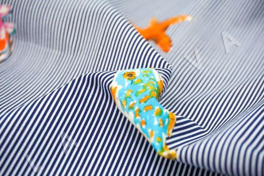 """дизайнерский сорочечный хлопок """"Рыбы"""" на сине-белом фоне в полоску рис-4"""