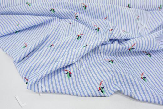 """дизайнерский сорочечный хлопок """"Попугаи"""" на бело-голубом фоне рис-5"""