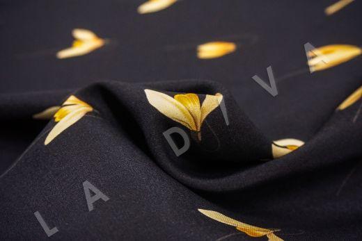 Шелк с эластаном «Подснежники» на черном фоне