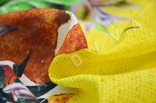 шелковый батист с жирафом по мотивам DG на желтом фоне рис-3