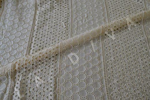 Шитье кремового цвета на шелковом батисте рис-2