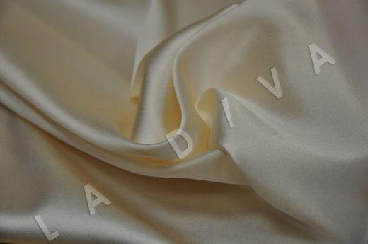 Однотонный шелк кремового цвета