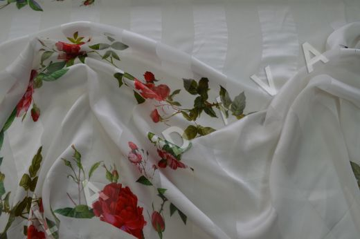 Шелк-деворе с цветочным принтом рис-2