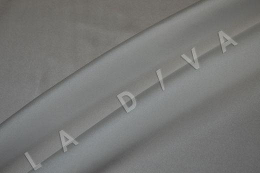 Атласный шелк белого цвета с легким молочным оттенком рис-3