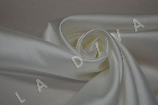 Атласный шелк белого цвета с легким молочным оттенком рис-2