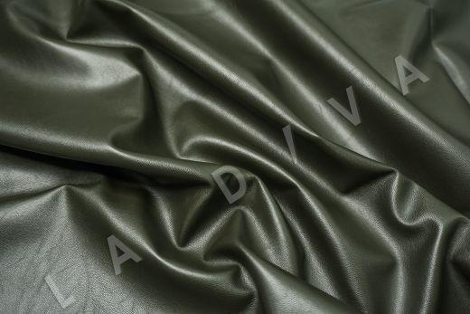 экокожа на костюмной основе темно-зеленого цвета  рис-3
