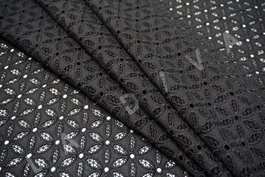 Шитье черного цвета с цветочной вышивкой рис-4
