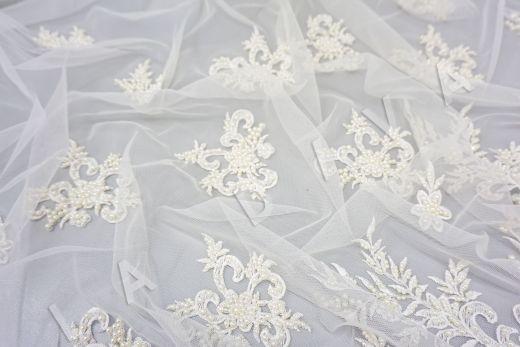 вышивка на сетке с с бисером белого цвета рис-3