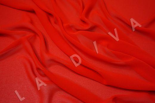 Креповый шифон красного цвета