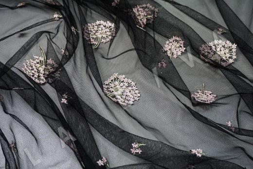 вышивка на сетке «Одуванчики» черного цвета рис-5