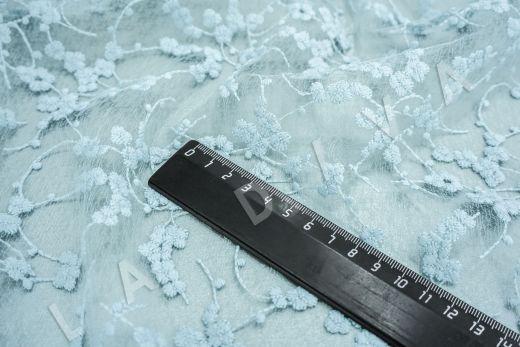вышивка на сетке с цветочным орнаментом голубого цвета рис-4