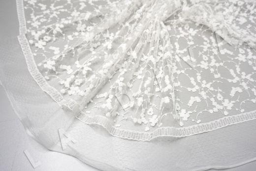 вышивка на сетке с цветочным орнаментом белого цвета рис-2