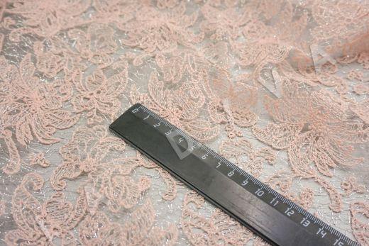 вышивка на сетке с цветочным орнаментом розового цвета рис-3