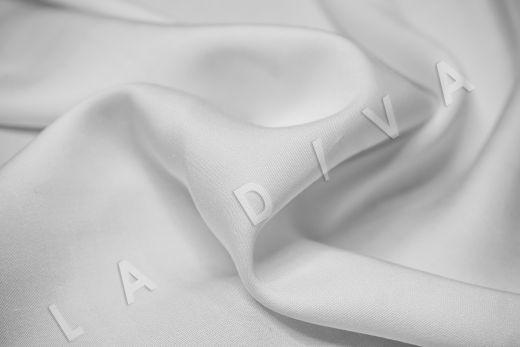 Вискоза плательно-костюмная белого цвета рис-3
