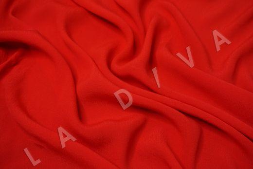 Креповая вискоза красного цвета