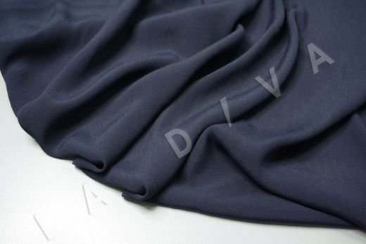 Креповая вискоза темно-синего цвета рис-3