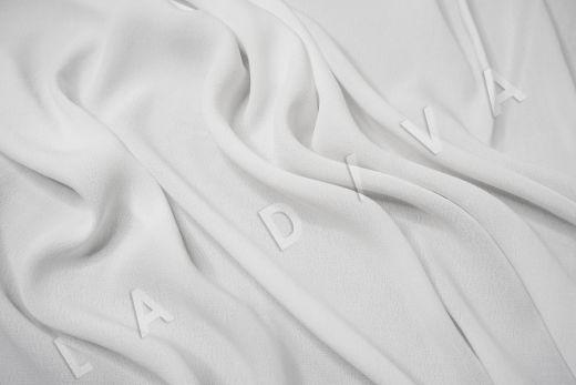 Креповая вискоза белого цвета