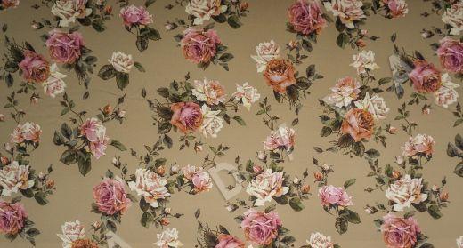 атласный шелк «Розы» на бежевом фоне