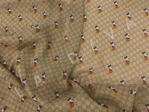 шифон Gucci с микки-маусами оливкового цвета