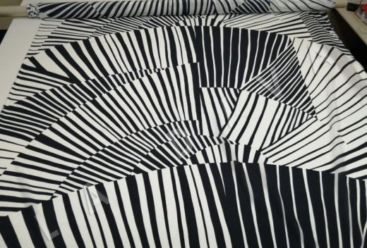 шелк с абстрактным рисунком