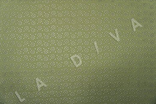 Шитье зеленого цвета с цветочной вышивкой рис-2