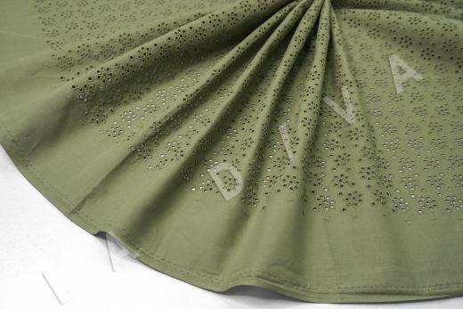 Шитье зеленого цвета с цветочной вышивкой