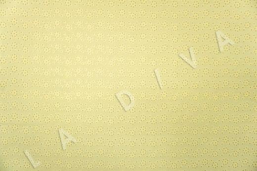 Шитье желтого цвета с цветочной вышивкой рис-2