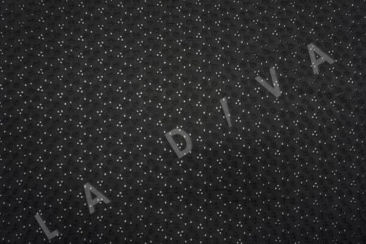 Шитье черного цвета с цветочной вышивкой рис-2