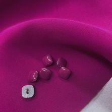 Пуговицы пурпурного цвета на ножке